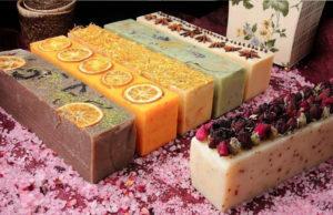 Мыло ручной работы с фруктами и ягодами