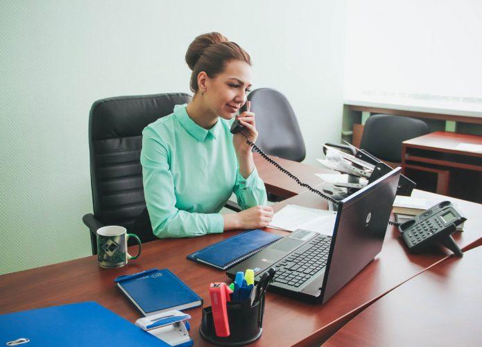 женщина бухгалтер