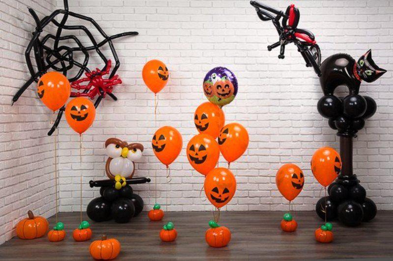 Воздушные шары в оформлении офиса на Хэллоуин