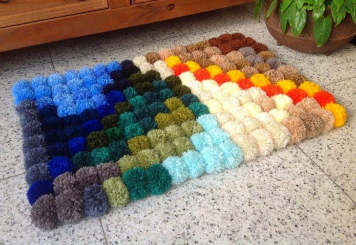 Яркие рукодельные коврики