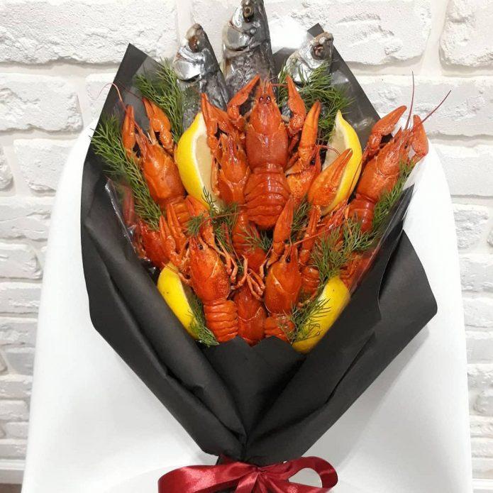 Букет из рыбы и раков