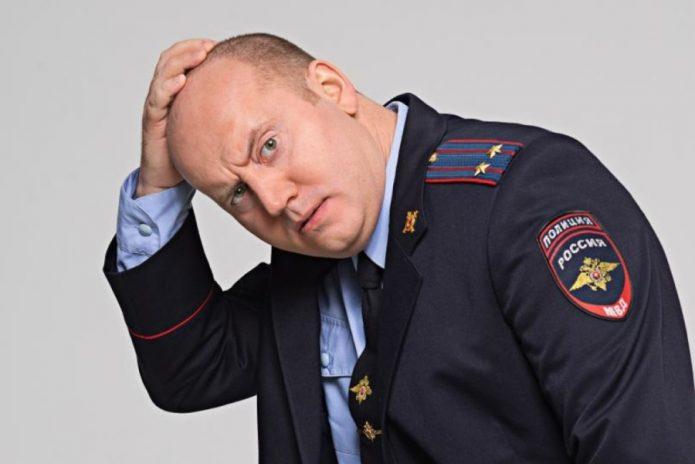 Бурунов в форме полиции