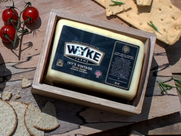 Сыр Wyke Farms Cheddar