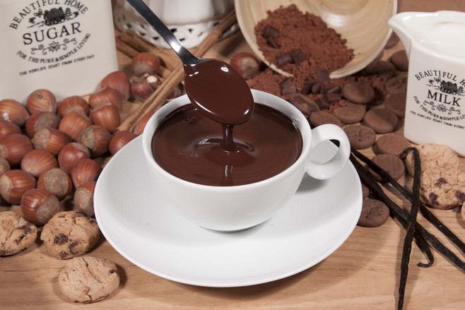 Горячий шоколад в чашке