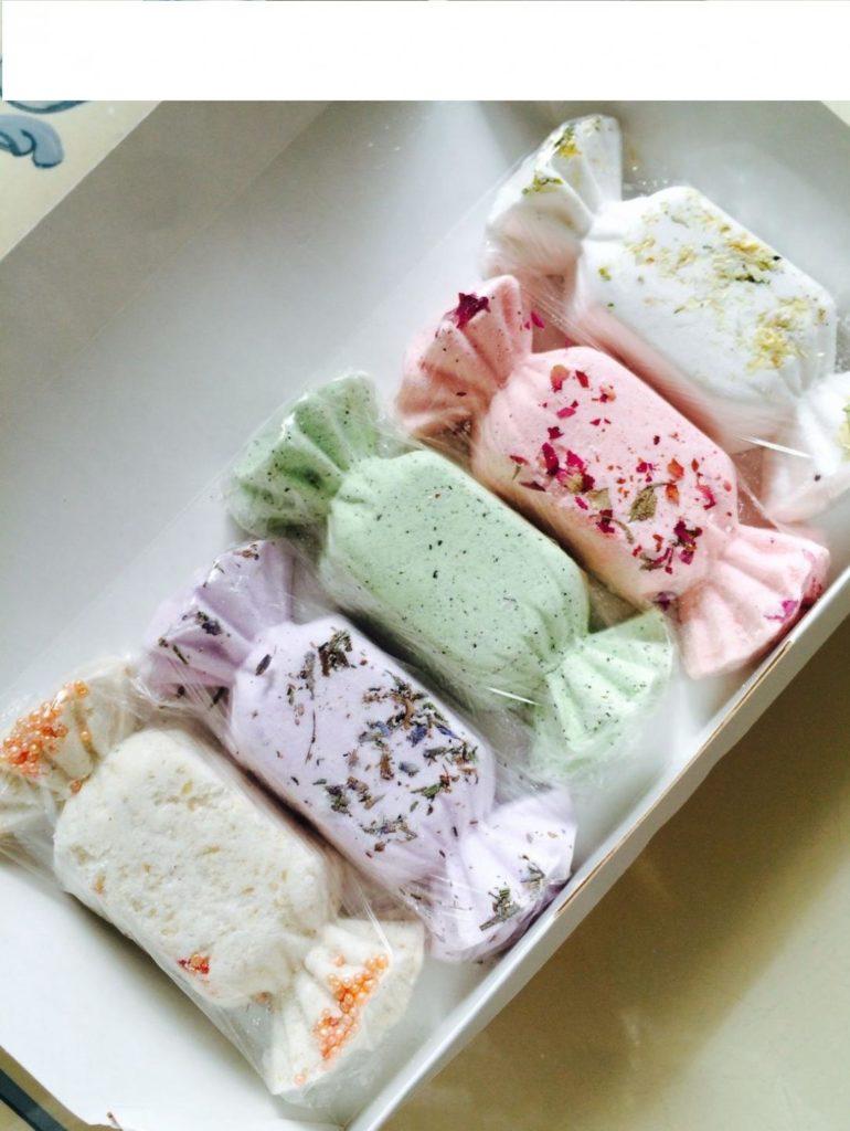 Разноцветные бомбочки для ванн в виде конфет