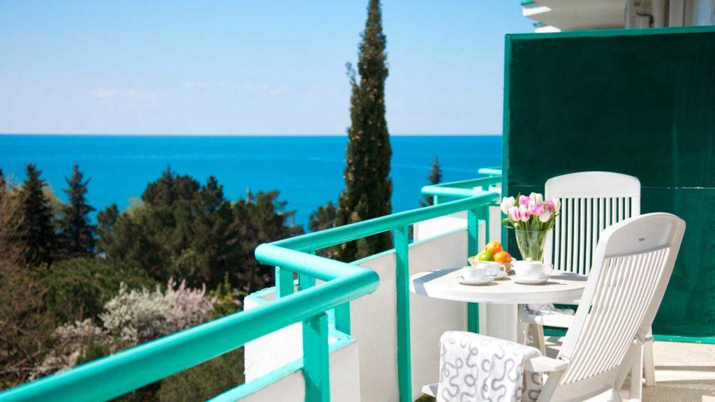 Балкон санатория с видом на море