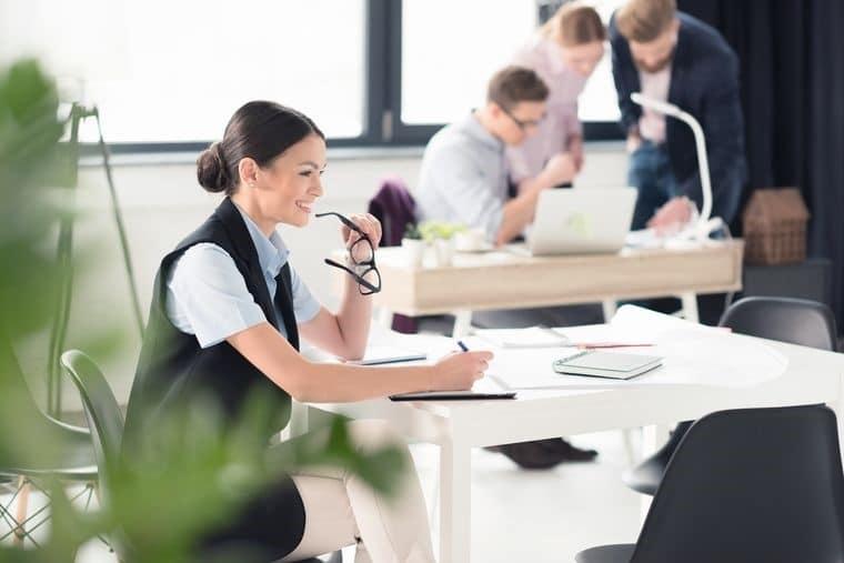 Самая высокооплачиваемая работа в России 2018 для женщин и мужчин