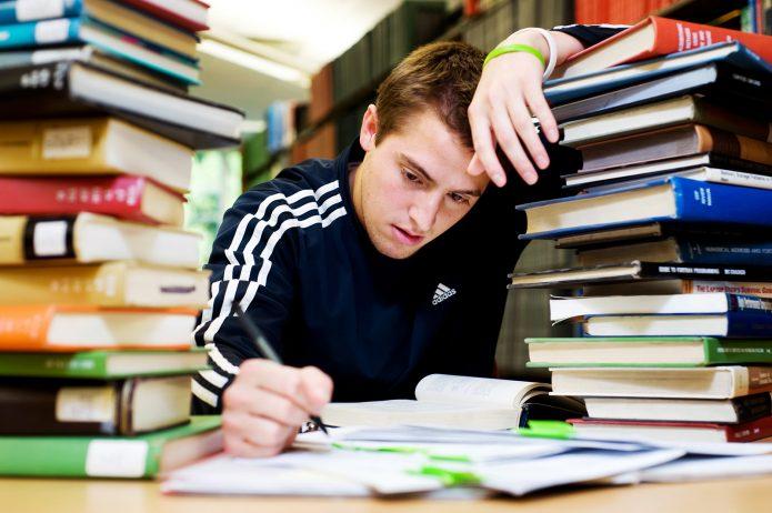 Как заработать автором курсовых и рефератов