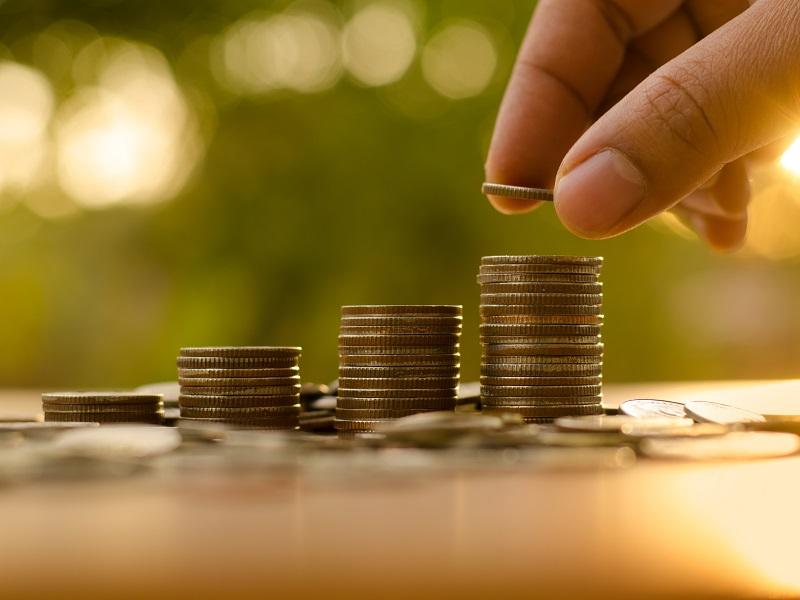 Акции или облигации: куда лучше вложить деньги инвестору-новичку?