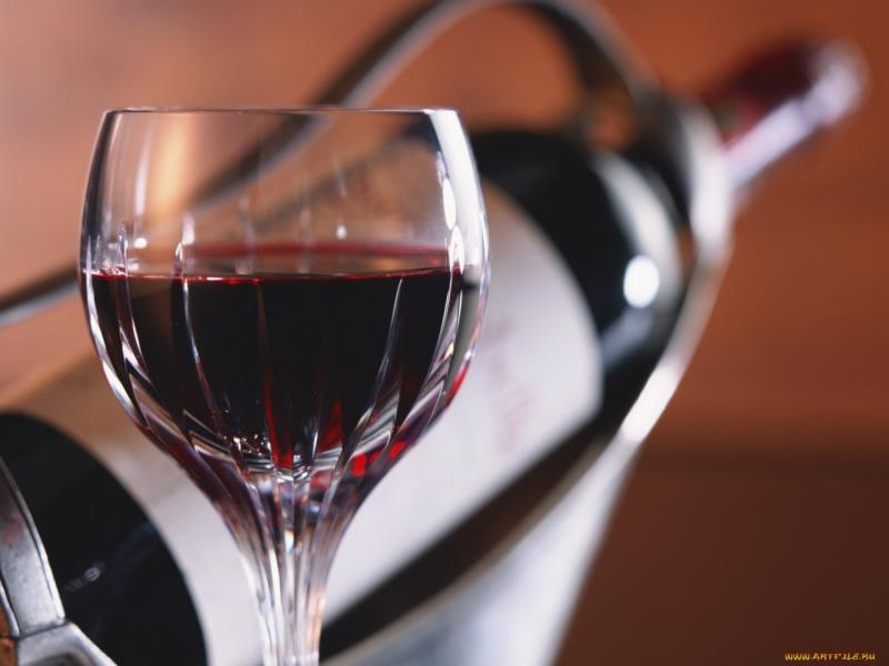 10 самых дорогих алкогольных напитков: стоят ли они своих денег