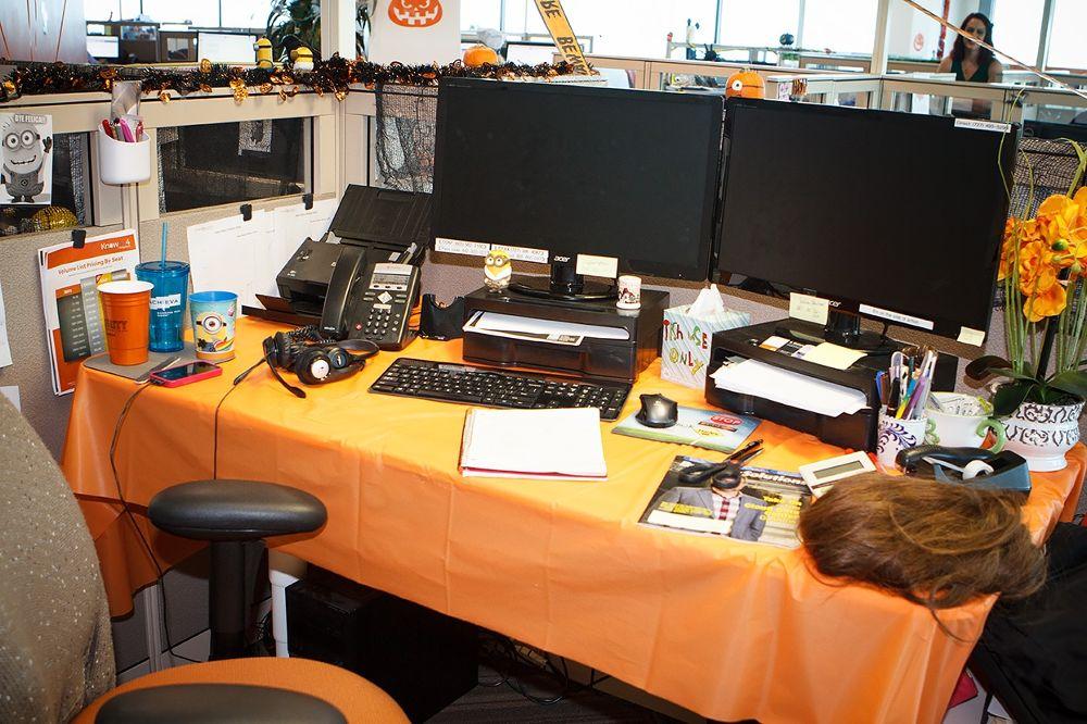 Хэллоуинский декор для офиса