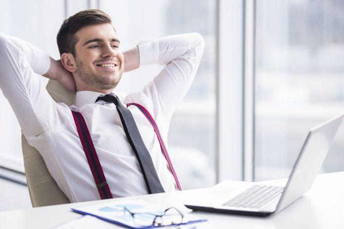 Мужчина в офисе