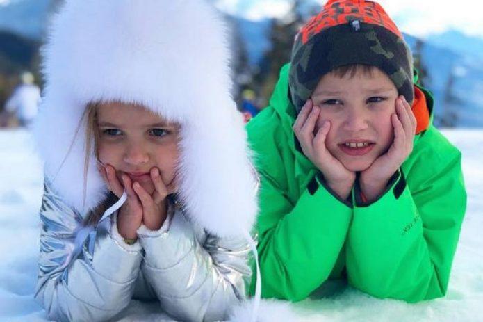 Макс с сестрой