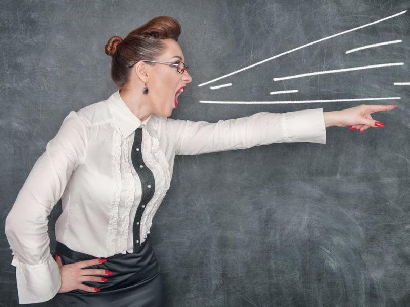 Непристойные фото и другие причины, по которым могут уволить учителя школы