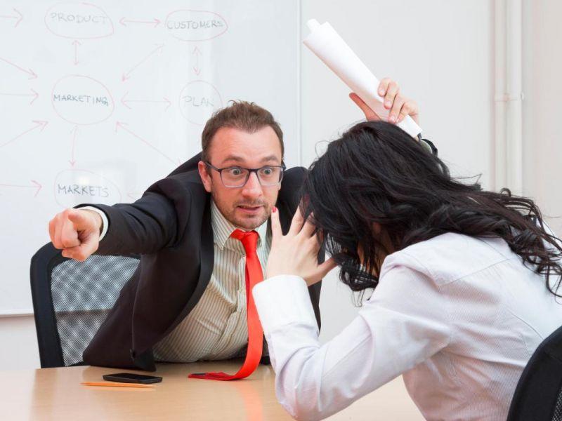 Что делать, если работодатель не увольняет по собственному желанию