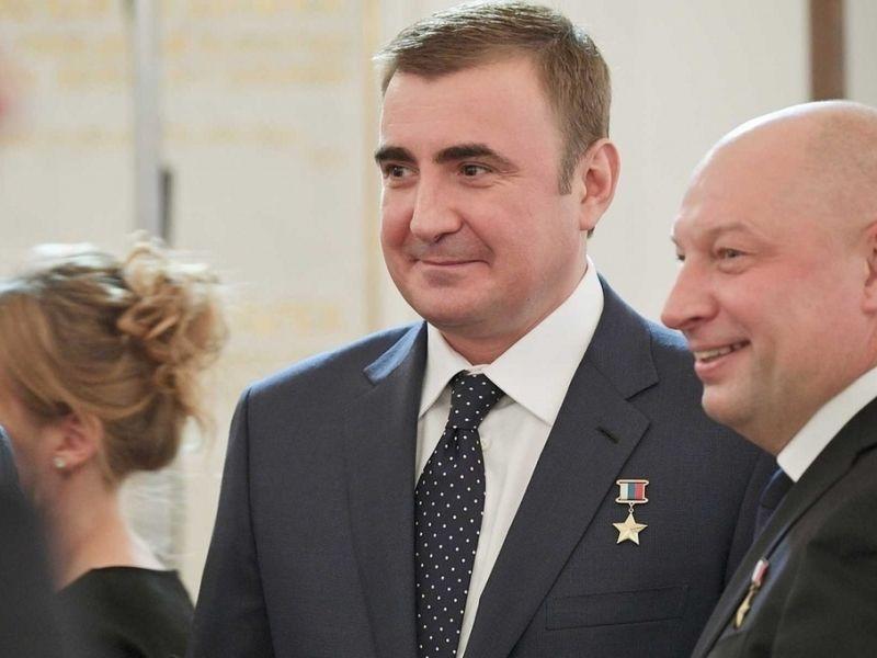 Сколько получают слуги народа: зарплата губернаторов России в 2019 году