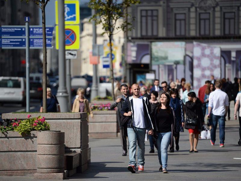 Как живут москвичи: примеры зарплат для разных профессий