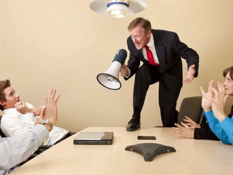 Как вести себя с начальником хамом: 3 полезных совета