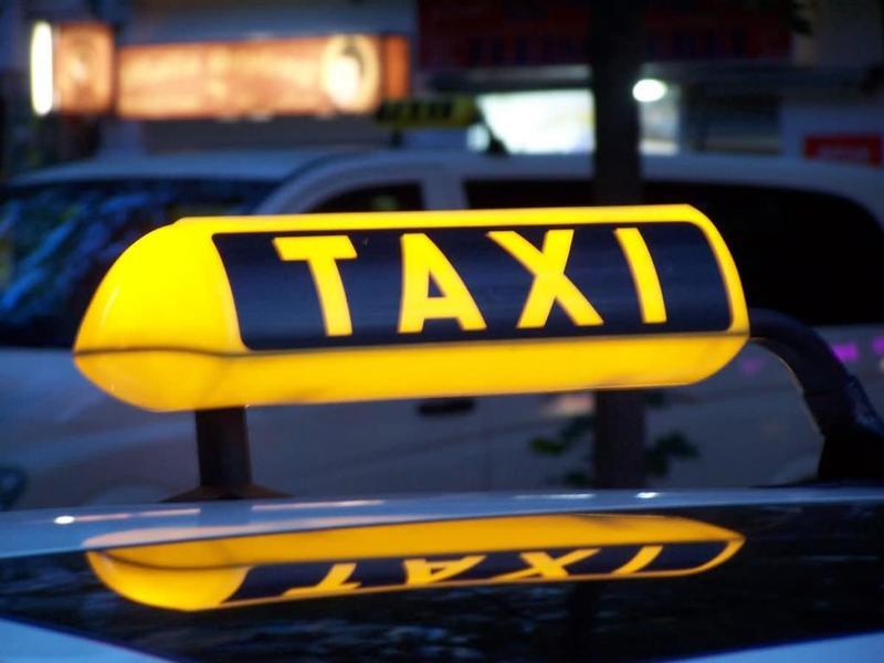 Низкие цены на услуги такси позволяют многим россиянам не покупать авто