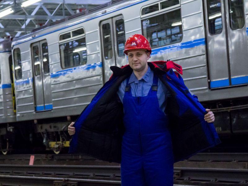 Какая зарплата в метрополитене в Москве: примеры