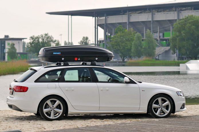 Машина с багажником на крыше