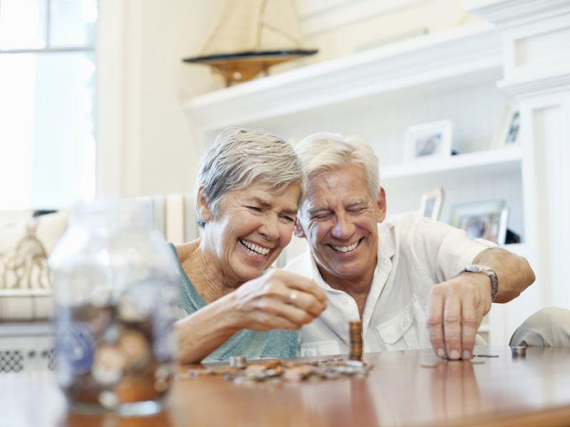 5 лучших вкладов для пенсионеров с ежемесячным снятием процентов