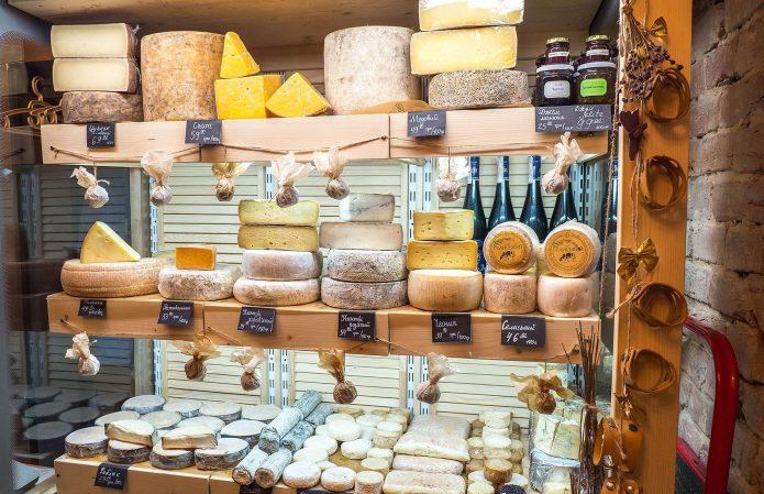 Специализированная лавка с сыром