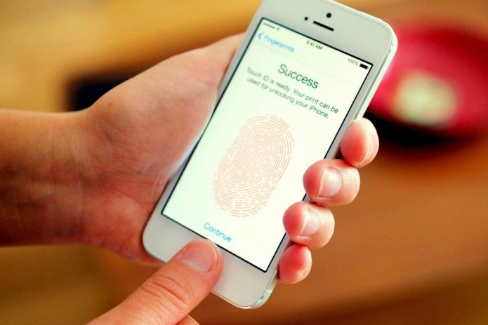 Отпечаток пальца на смартфоне