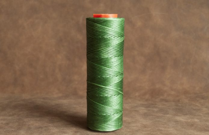 Зелёная хлопковая нить