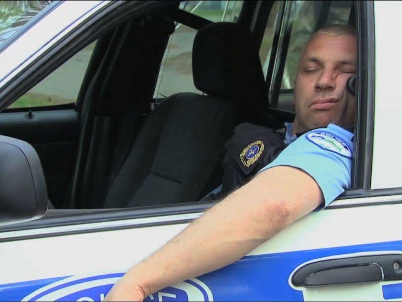 Уставшие люди на работе: когда тебя застали врасплох