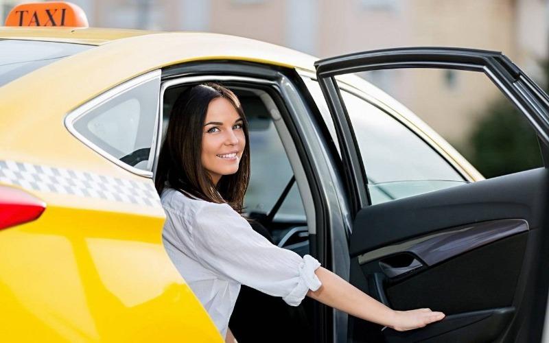 6 способов ездить на такси и не разориться