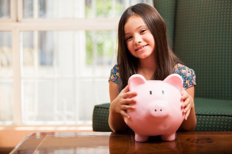 8 способов привить детям бережное отношение к деньгам