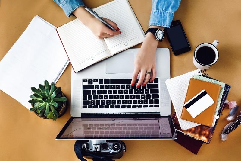 Ни дня без строчки: 7 последовательных шагов, чтобы стать копирайтером