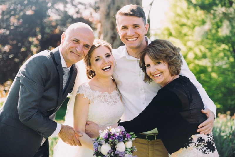 8 простых советов, которые помогут сэкономить на свадьбе детей